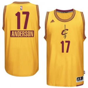 Maillot NBA Or Anderson Varejao #17 Cleveland Cavaliers 2014-15 Christmas Day Authentic Homme Adidas