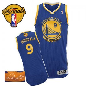 Maillot NBA Authentic Andre Iguodala #9 Golden State Warriors Road Autographed 2015 The Finals Patch Bleu royal - Homme